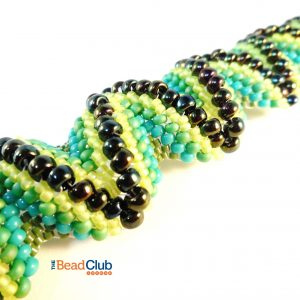 Use a variety of seed bead sizes, types and colours to create the undulating texture of the Zigzag Bracelet in this Peyote Stitch beading pattern.