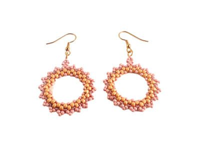 Circular Peyote Stitch earring pattern by The Bead Club Lounge