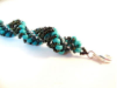 Dutch Spiral bracelet pattern by The Bead Club Lounge