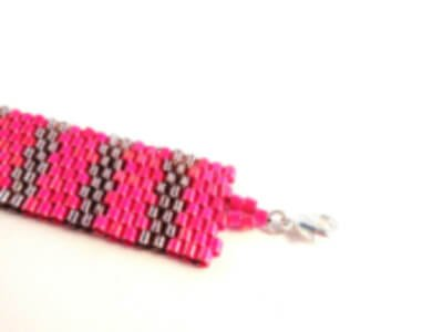 Flat Even Count Peyote Stitch bracelet pattern by The Bead Club Lounge