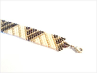 Geometric Lines Charted Peyote Bracelet Pattern by The Bead Club Lounge